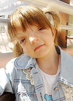 Марика Абукарова, 4 года, поражение центральной нервной системы, требуется лечение. 199620 руб.