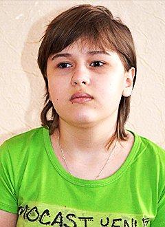 Вика Тарасова, 11 лет, атрофия зрительного нерва, спасет операция. 102982 руб.