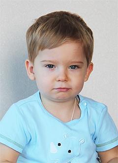 Даниил Флорескул, 2 года, ювенильный ревматоидный артрит, требуется лечение. 39602 руб.