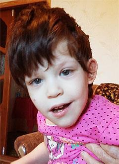 Замира Батырханова, 7 лет, детский церебральный паралич, требуется инвалидное кресло-коляска. 186620 руб.