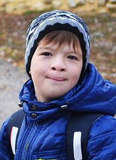 Яша Лихих, 10 лет, рубцовая деформация губы и носа, недоразвитие челюсти, требуется ортодонтическое лечение. 170000 руб.