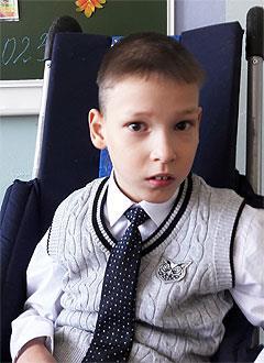 Данияр Мирзахалов, 9 лет, детский церебральный паралич, спастический тетрапарез, требуется инвалидная коляска. 96891 руб.