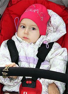Алиса Ахунова, 7 лет, детский церебральный паралич, спастический тетрапарез, требуется инвалидная коляска. 329189 руб.