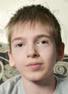 Никита Амельченко, 12 лет, детский церебральный паралич, фокальная эпилепсия, требуется инвалидная коляска с электроприводом. 203655 руб.